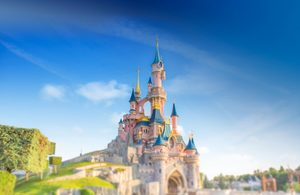 Review a free holiday to Disneyland Paris